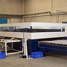 Laser, velký formát: 4,2 x 2,2 metru. <br> Síla 6 kw. Rotolas. Fe, Al, Nerez do 25mm